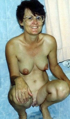 Naked europian mom in the shower
